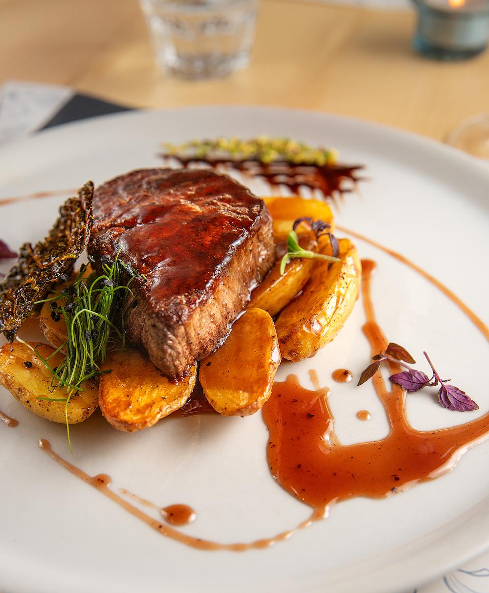 Steak mit Kartoffeln, Una Pizza, Innsbruck